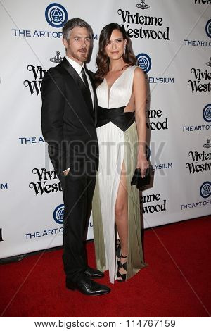 vLOS ANGELES - JAN 9:  Dave Annable, Odette Annable at the The Art of Elysium Ninth Annual Heaven Gala at the 3LABS on January 9, 2016 in Culver City, CA