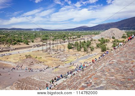 Teotihuacan, Mexico - 28 December 2015: People Climb The Stairs On Teotihuacan Pyramid Of Sun, Near