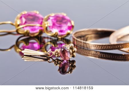 Gold Ring With Alexandrite