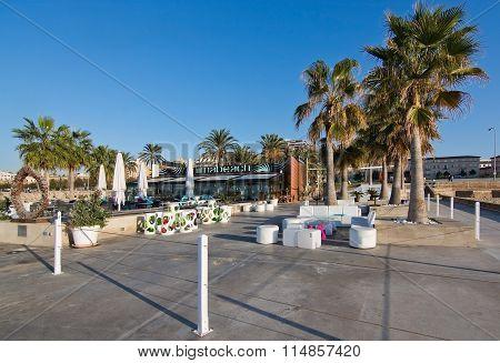 Anima beach restaurant and bar