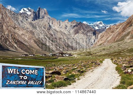 Suru Valley And Signpost Welcome To Zanskar Valley