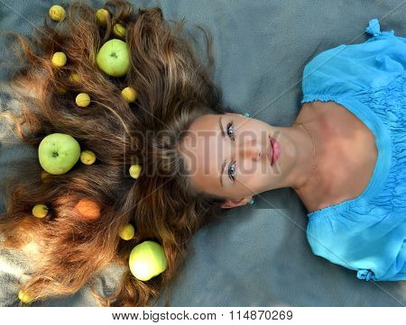 Apples, food in the hair, apples in the hair, vegetables in the hair, soft hair, fluffy hair, beautiful hair, brunette hair, natural hair, smooth hair, tasty hair, salon hair, straight hair, healthy, wellness hair