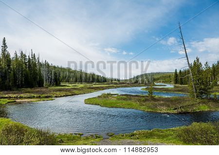 The Yellowstone River Meanders Through The Beautiful Heyden Valley Between Yellowstone Lake