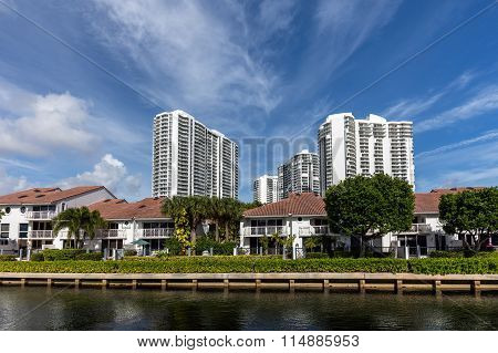Luxury Villas In The Sunny Isles Beach
