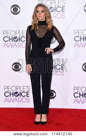 LOS ANGELES - JAN 06:  Natalie Dormer arrives to the People's Choice Awards 2016  on January 06, 2016 in Hollywood, CA.
