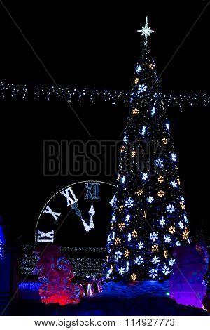 Tree With Clock