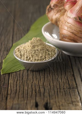 galangal root or blue ginger and powder
