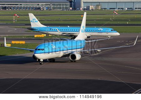 Klm Royal Dutch Airlines Boeing 737-800 Airplane Amsterdam Schiphol Airport