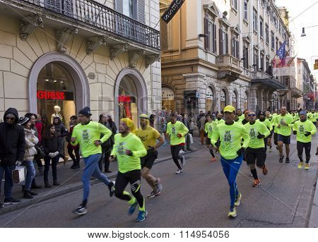People Running The We Run Rome Competition In Via Del Corso In Rome