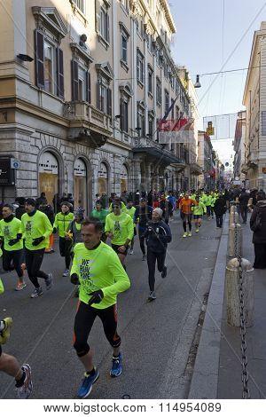 People Running The We Run Rome