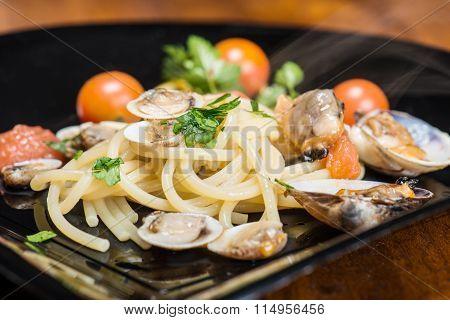 Italian Spaghetti And Clams Made In Naples