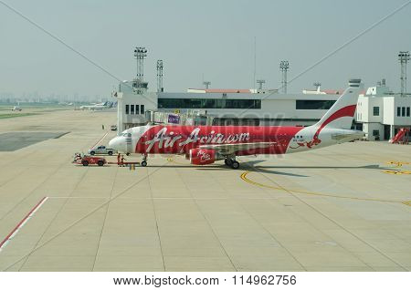 Bangkok, Thailand - October 25 : Thai Air Asia Plane Landed At Don Mueang International Airport