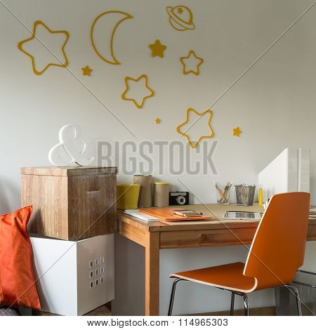 Contemporary Designed Room For Teenager