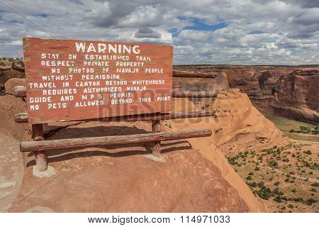 Warning Sign At White House Trail In Canyon De Chelly