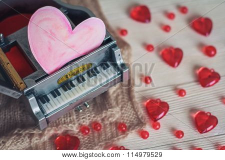 Music Box With Red Hearts