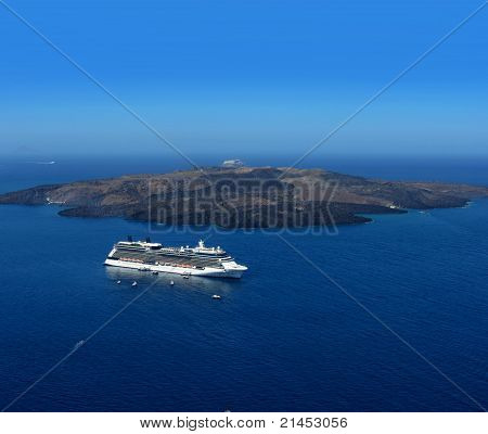 Luxury Cruiser in Santorini Caldera