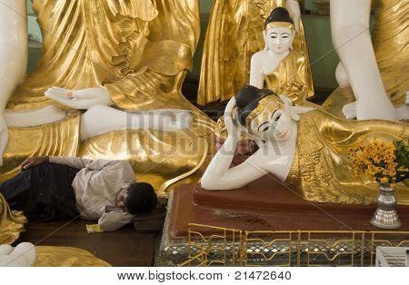 Buddha dreams in Shwedagon Pagoda (Yangon, Myanmar)