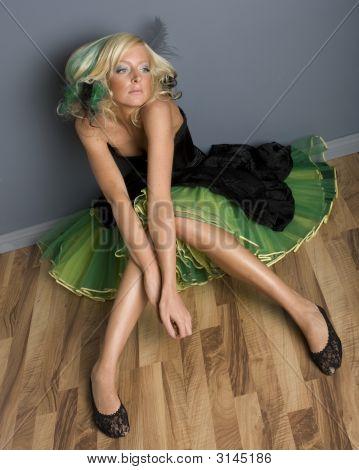 Funky chica en vestido