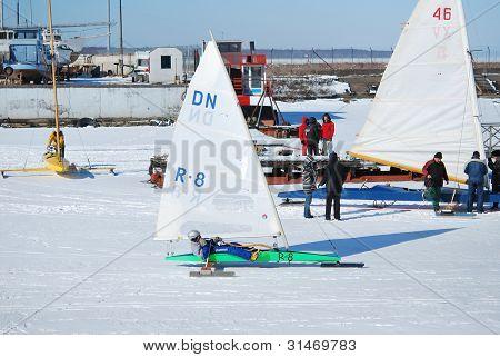 Ice Boat Racing Team