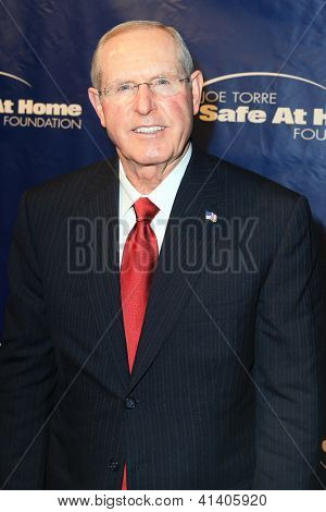 NOVA YORK-Ago 14: New York Giants treinador Tom Coughlin frequenta o 10º aniversário Joe Torre Safe