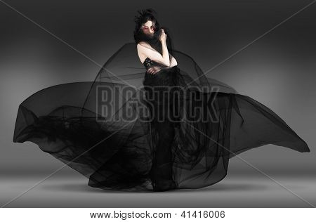 Black Fashion The Dark Movement In Motion