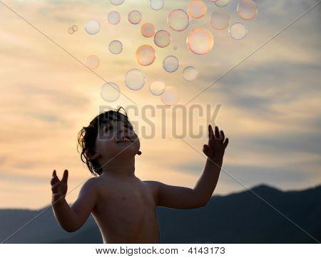 Junge mit Blasen