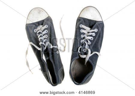 Threadbare Gym-Shoes