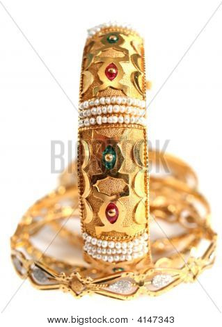 Arabian Gold Jewellery, Vertical