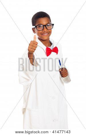 Niño feliz inteligente científico