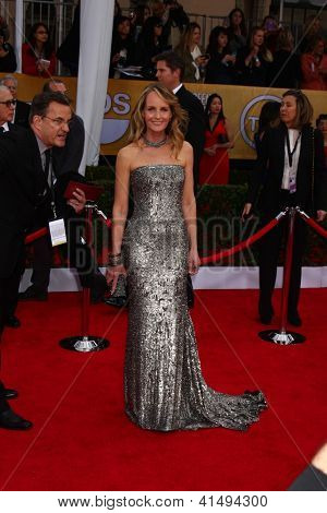 LOS ANGELES - JAN 27:  Helen Hunt arrives at the 2013 Screen Actor's Guild Awards at the Shrine Auditorium on January 27, 2013 in Los Angeles, CA