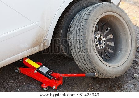 Lifting Car By Hydraulic Jack