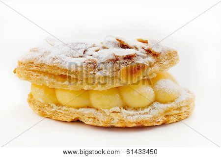 Bocado de hojaldre y crema
