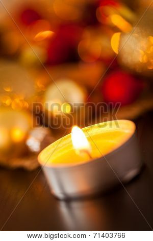Warm Gold And Red Christmas Candlelight Background