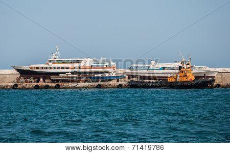 dump ships
