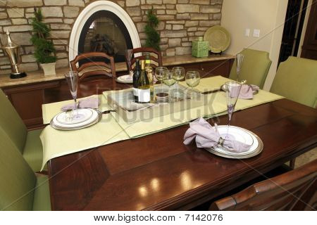 Festive dining table decor