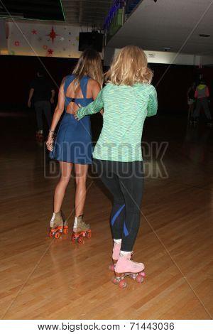 vLOS ANGELES - SEP 3:  Renee Bargh, Wendi McLendon-Covey at the