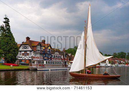 Swan Inn Sail Boat 0320