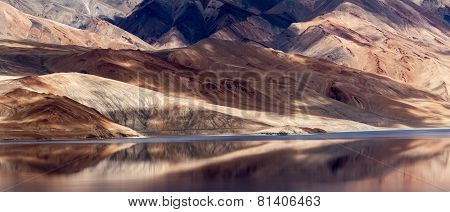Tso Moriri Mountain Lake With Fantastic Mountains Background And Reflections In The Lake