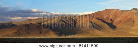 Panoramic Landscape Near The Salty Mountain Lake Tso Kar At The Sunset