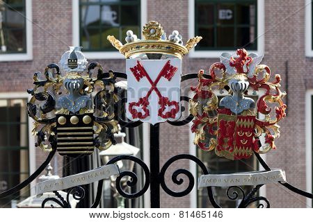 LEIDEN,NETHERLANDS - SEPTEMBER 8, The Leiden coat of arms on the gate to the Burcht
