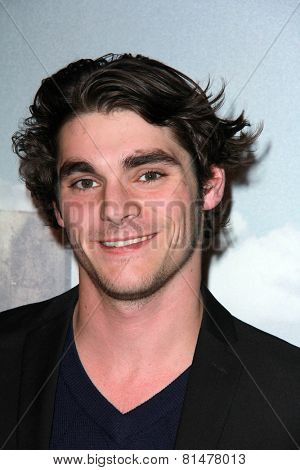 LOS ANGELES - JAN 29:  RJ Mitte at the