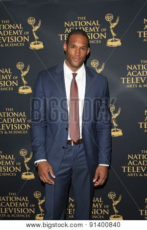 LOS ANGELES - APR 24: Lawrence Saint Victor at The 42nd Daytime Creative Arts Emmy Awards Gala at the Universal Hilton Hotel on April 24, 2015 in Los Angeles, California