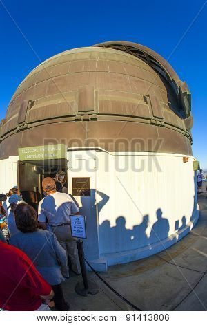 People At The Entrance Of The Zeiss Telescope At The Griffith Observatory