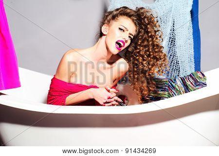Crazy Udressed Girl In Bathroom
