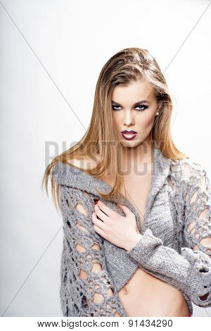 Fatal Sexual Girl In Grey Knitted Jacket