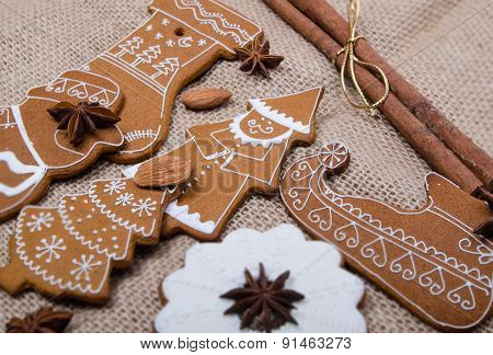 Gingerbread And Seeds