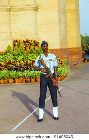 Soldier In Parade Uniform Guards The Indian Gate