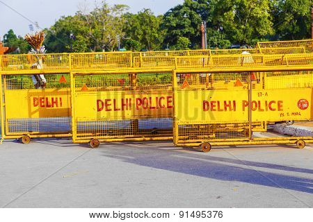 Traffic Barrieres At The India Gate Ready For Quick Use By The Delhi Police