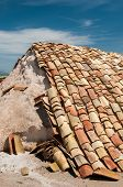 image of shingles  - Shingles used as a protection for salt heaps in the saltwors of Trapani - JPG