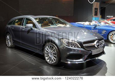Mercedes-benz Cls-class Saloon Cls 220 D Amg Line